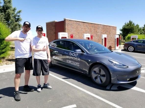 Новый рекорд автомобиля Tesla Model 3