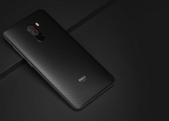 Xiaomi Poco F1 флагман за $ 300